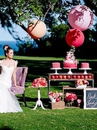 TWITTER aliciathurston-pinklady-weddingchicks-108 450dpi copy