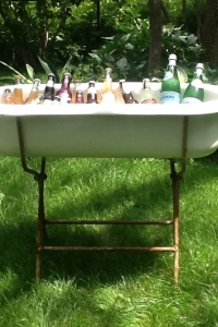 Bathtub beverage station