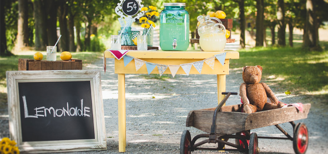 Vintage Decorations, glass jars, chalk board, lemonade stand