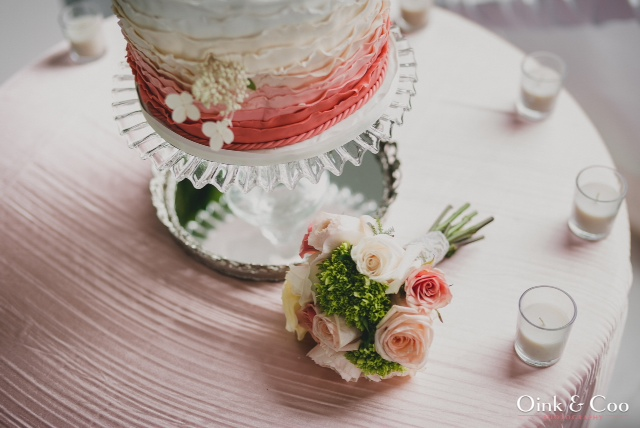 cake stand in mirror